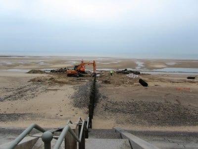 Extending beach groynes at Cleveleys