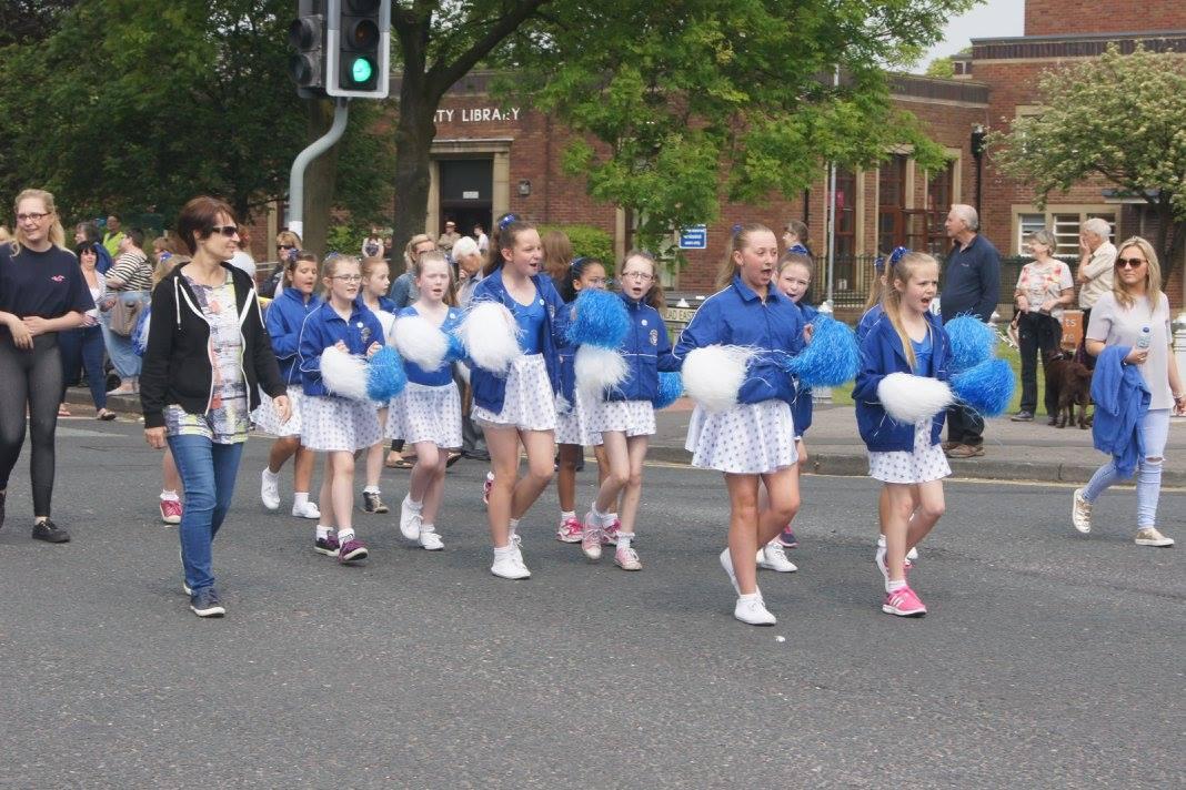 Cheerleaders from Manor Beach School