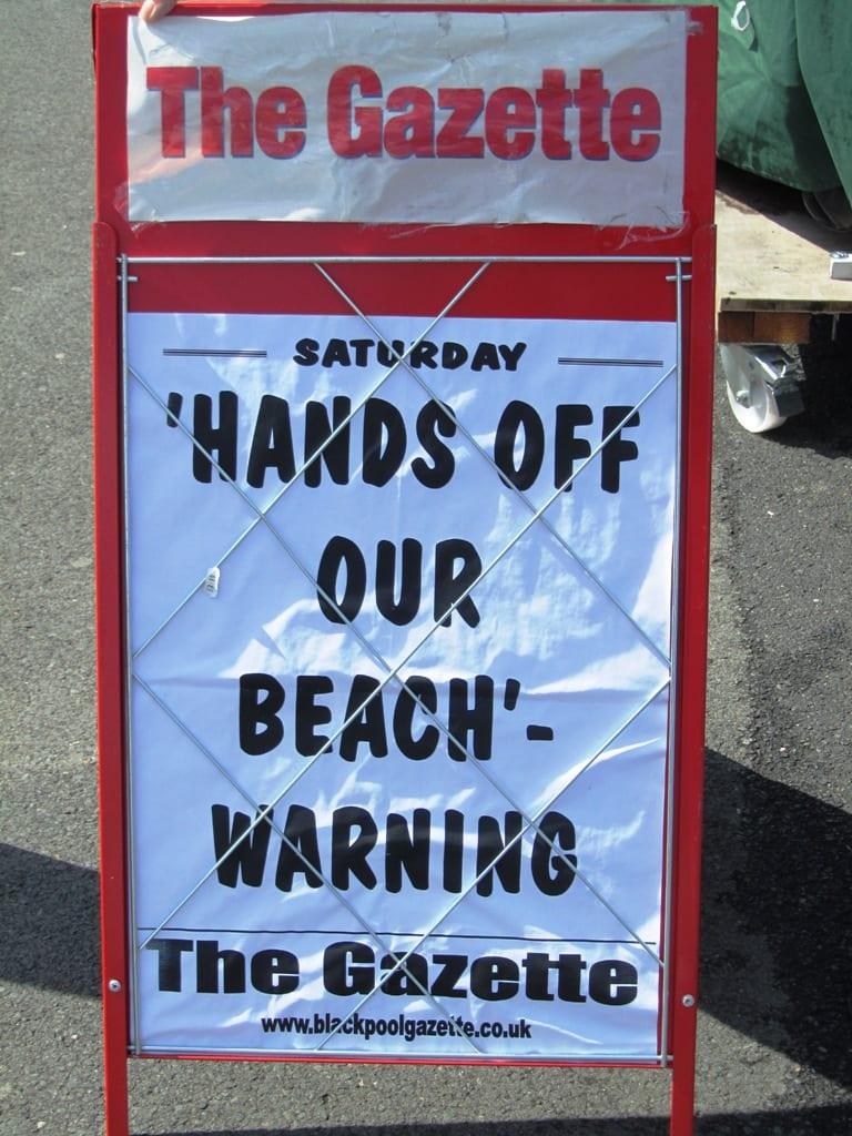 Gazette signs following pebble theft