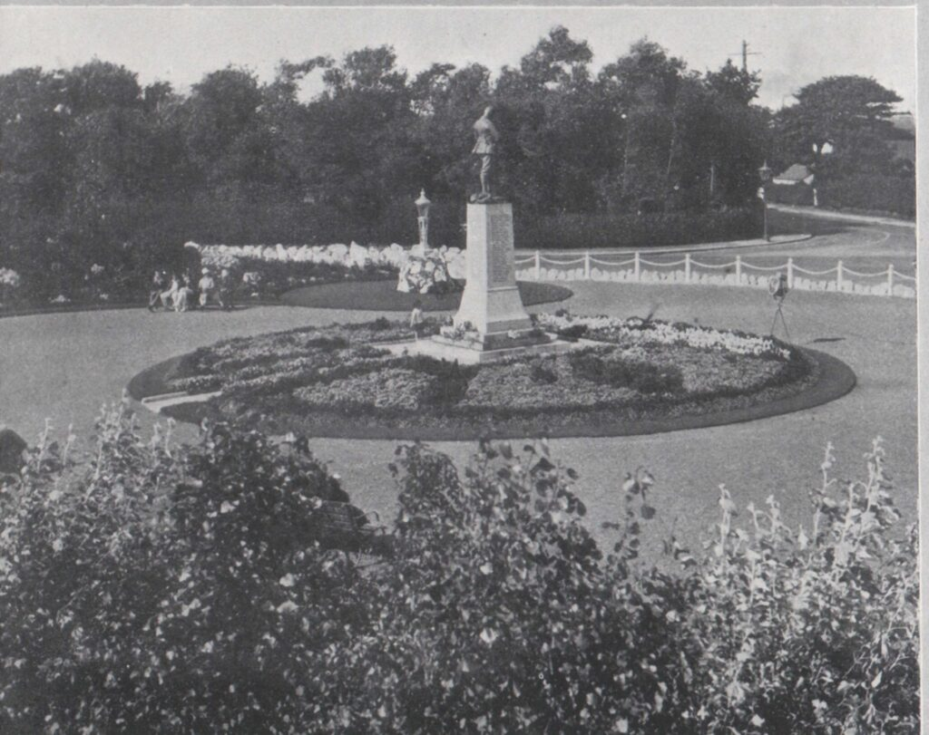 Old image of the War Memorial at Thornton Cleveleys