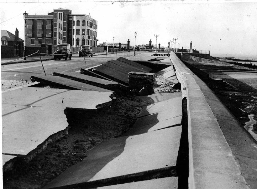 Sea Wall Build 1947