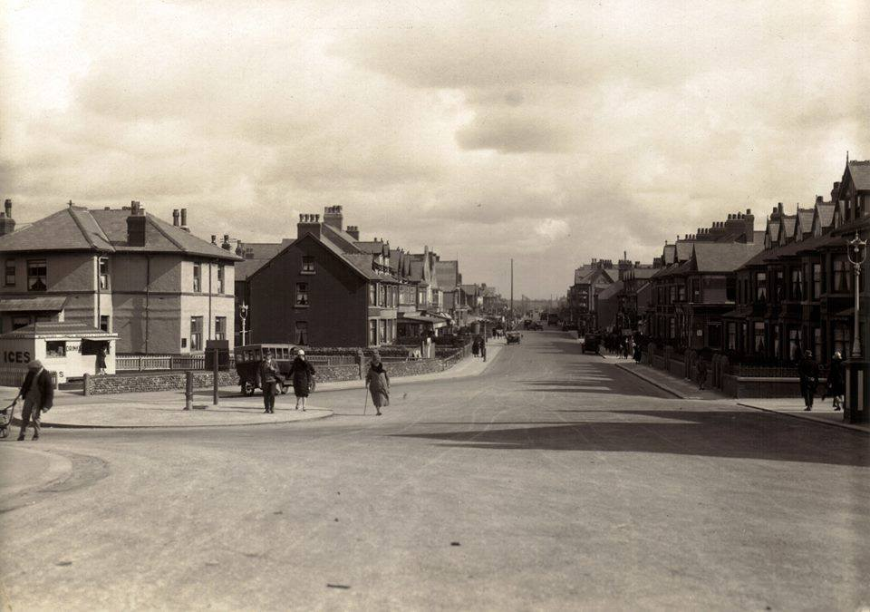 Victoria Road West pre 1928, without the Clock Shelter. Photo: Dave Hutchinson. History of the Clock Shelter