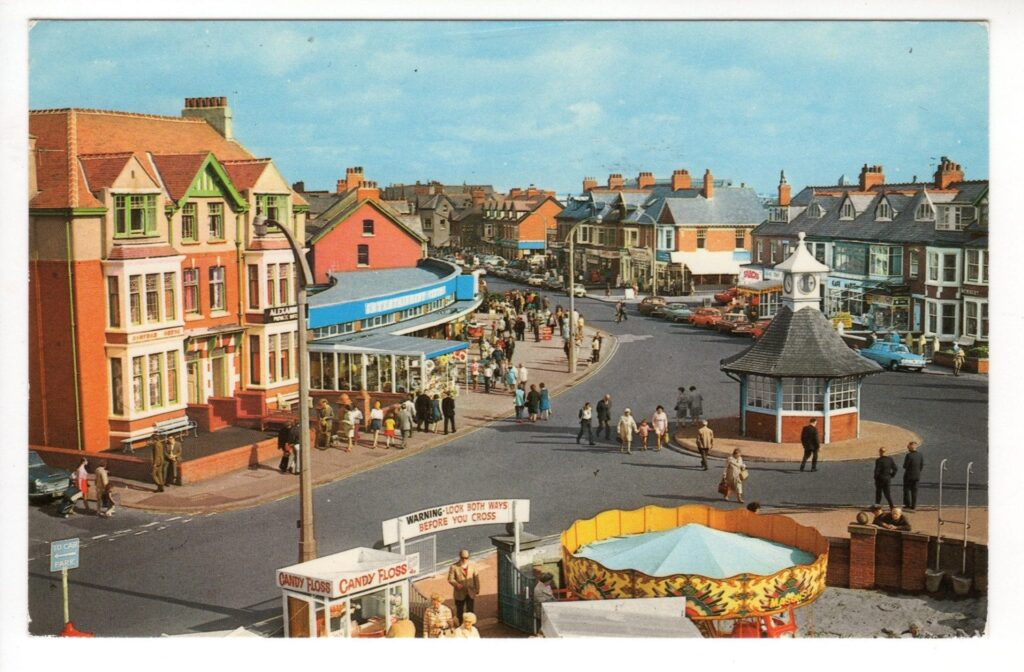 History of the clock shelter - Cleveleys promenade and clock shelter in the 1950s - photo from Dave Hutchinson